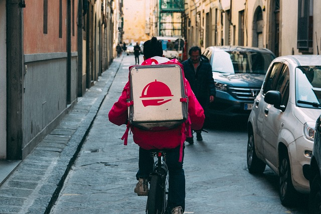 Fast Food Delivery Systems - Locologic